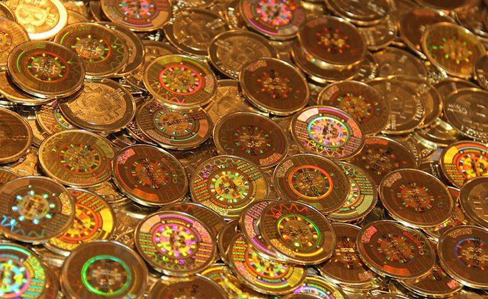 Bitkoinų, gintaro, filmų ir muzikos e. prekybos labirintais klaidžiojo 3,1 mln. nelegalių eurų