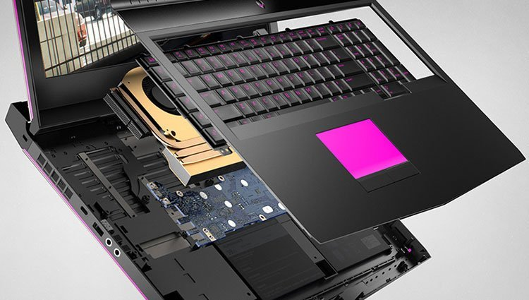 CS1703G0019_aw_laptop_alienware17_gaming_pdp_polaris_module3
