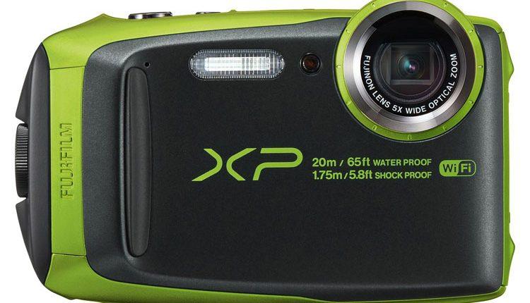 """Kompaktiškas fotoaparatas """"Fujifilm FinePix XP120"""" nebijo nei vandens, nei smūgių, nei šalčio"""