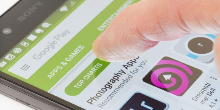 """""""Google Play"""" sumažės nupirktų atsiliepimų ir suklastotų reitingų"""