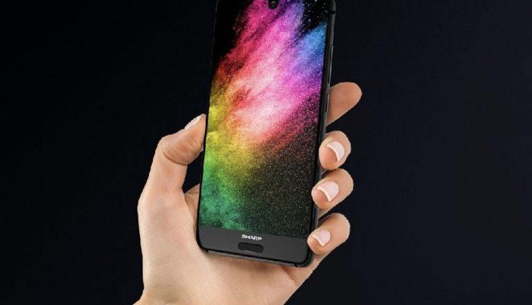 """""""Sharp"""" išmanieji telefonai 2018 metais atvyks Į Europą"""