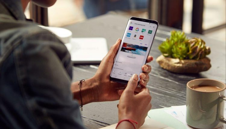 Įdomūs faktai apie žmonių naudojimąsi išmaniuoju telefonu