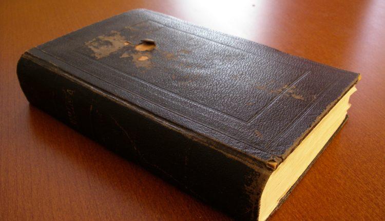 Netikėčiausi klientų prašymai: nuo prašymo atspėti slaptažodį iki Biblijos programėlės