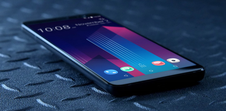 """HTC U11+"" – flagmanas be kompromisų su 18:9 ekranu ir permatomu korpusu"