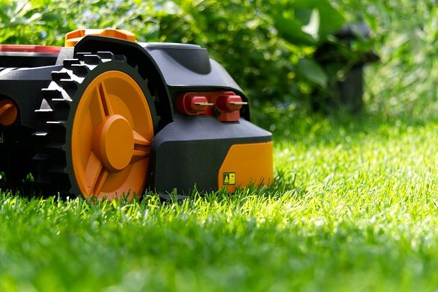 Robotai vejapjovės – šiuolaikiškai vejos priežiūrai