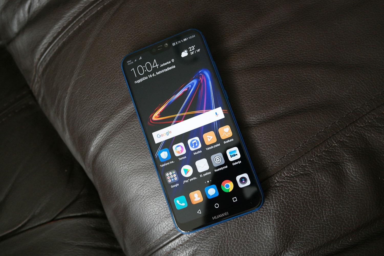 """""""Huawei P20 Lite"""" Apžvalga: Laikinai Gražus Išmanusis"""