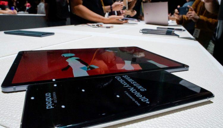 """IT ekspertas ir """"Samsung"""" gerbėjas sukritikavo kompaniją dėl reklamos"""
