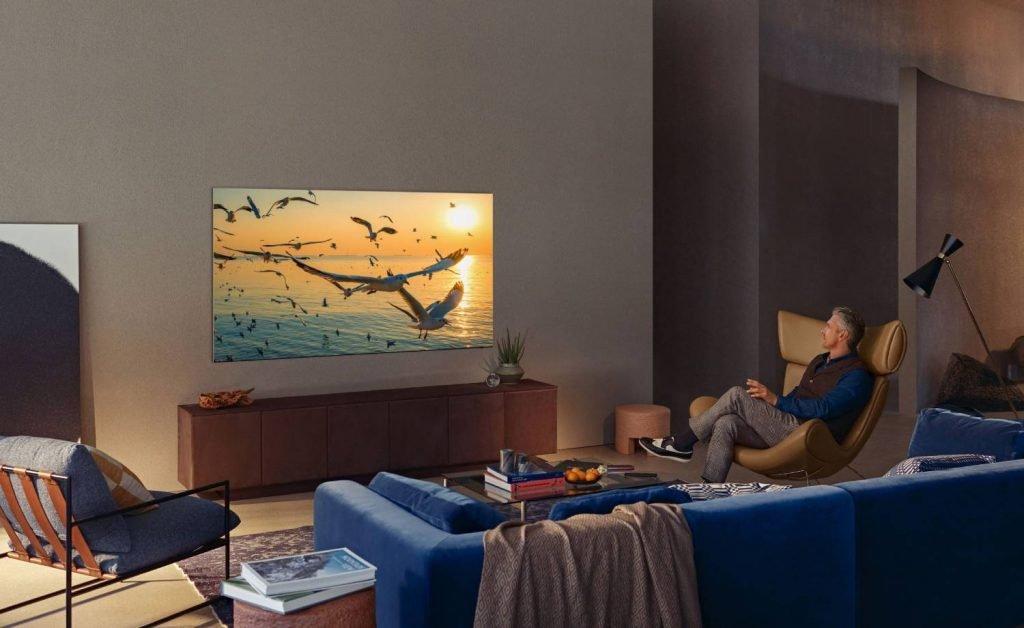 """""""Samsung"""" pristatė televizorių naujienas, tarp jų – ir tinkamas naudoti lauke"""